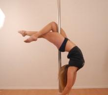 Pole Move (Half Moon)
